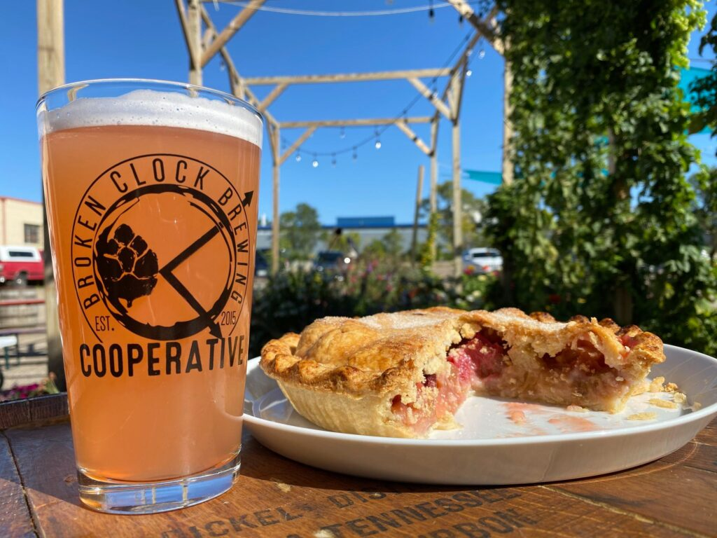 DROPPING TODAY: Member Garden Series: The BrewBarb – Strawberry Rhubarb Cream Ale! 🤤…